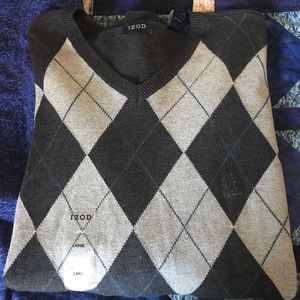Men's iZod black and gray argyle sweater large